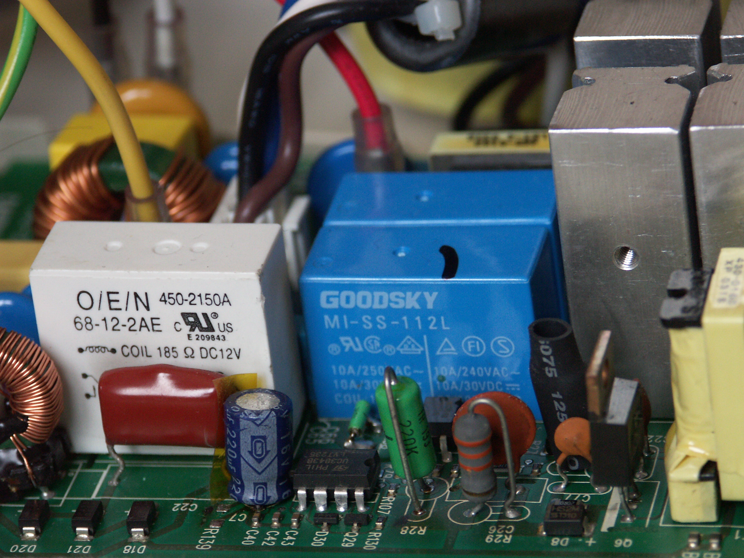 Repair And Improve Broken Apc Ups Rs 500 Backup Battery Switch With Mosfet Top View Of The Oscillator